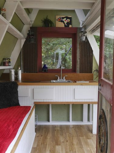 The 1200 USD tiny house in America