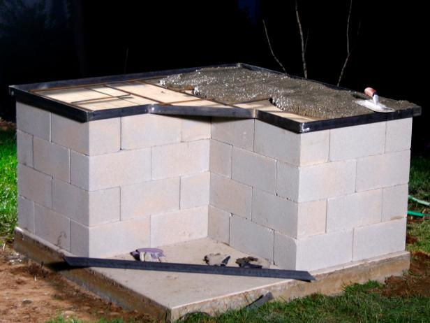 How to build an outdoor brick oven in a few easy steps