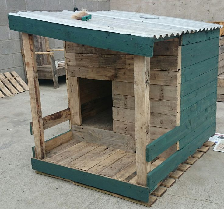How to build a dog house with pallets - Niche pour chien en palette ...