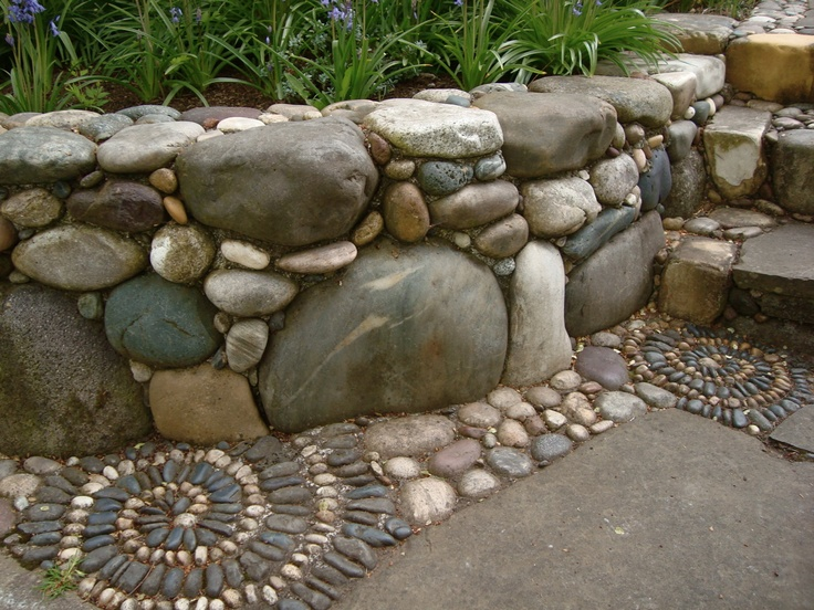 how to build a stone wall with round stones