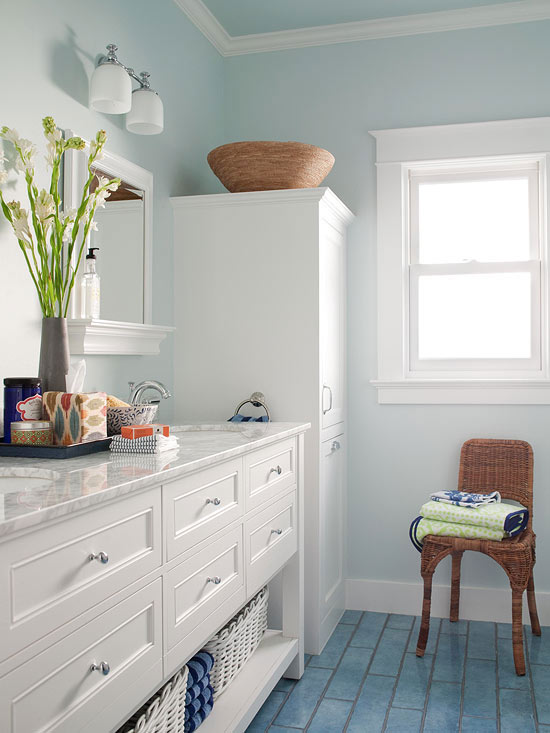 Color ideas for small bathrooms for Small bathroom color schemes