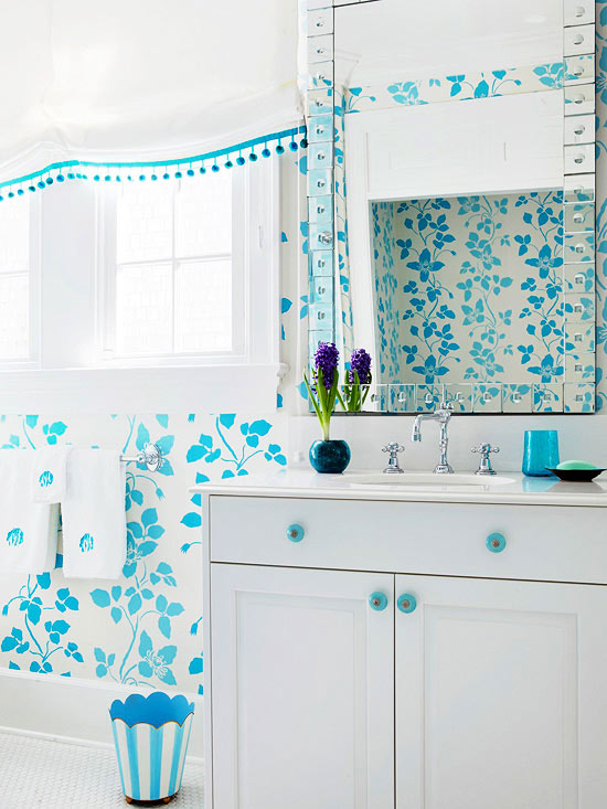 Color ideas for small bathrooms