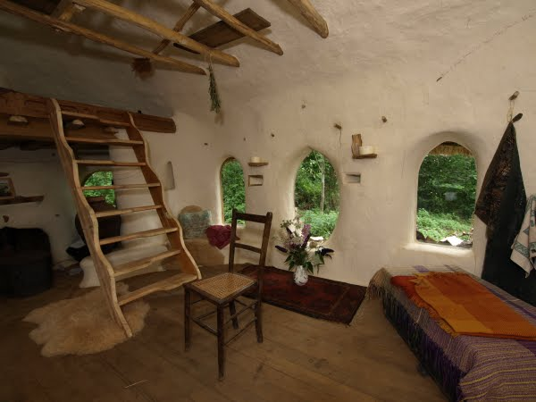 The cob house happiness lies in simple things - The cob house happiness lies in simple things ...