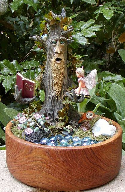 decoratiuni din buturugi Stump decorating ideas 11