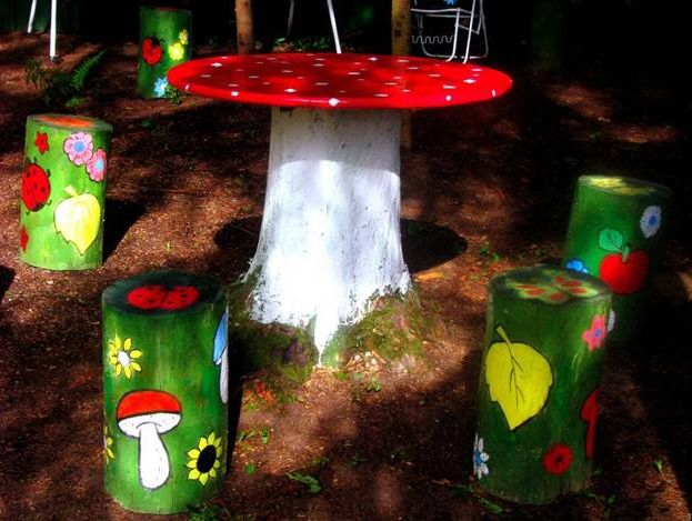 decoratiuni din buturugi Stump decorating ideas 8