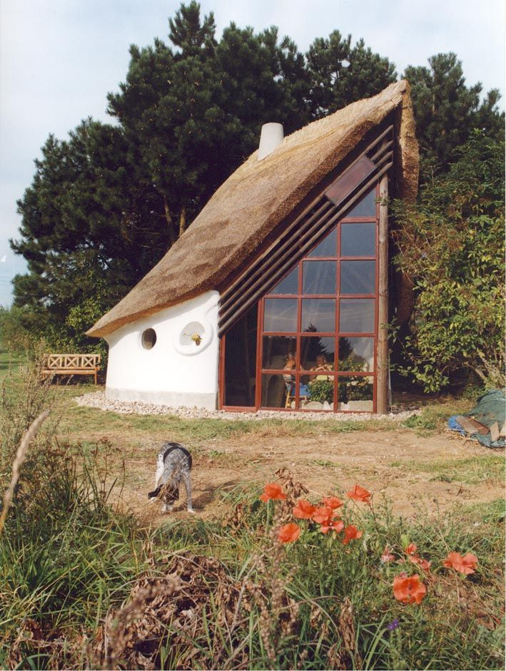 Cob Houses - Simplicity At Its Best - Houz Buzz