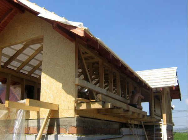case mixte din caramida si lemn Brick and wooden structure houses 5