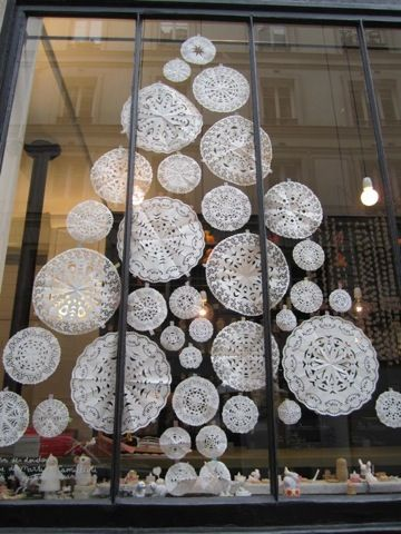 decorarea geamurilor de craciun Christmas window design ideas 16