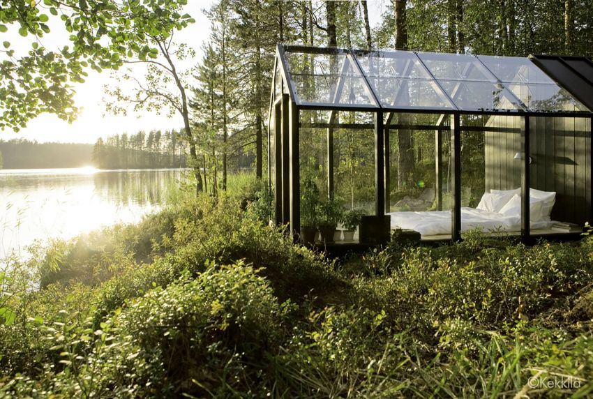 Glass wall houses are elegant