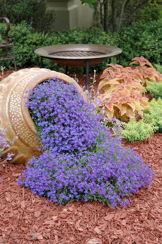 Sources: Houseandgarden.co.uk, Bhg.com, Pinterest.com. Tags: Small Flower  Garden Landscaping ...