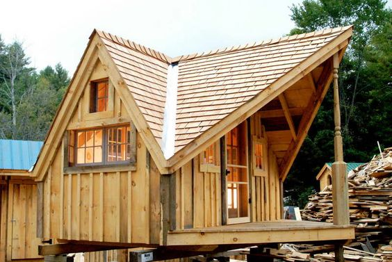 Wood pallet houses