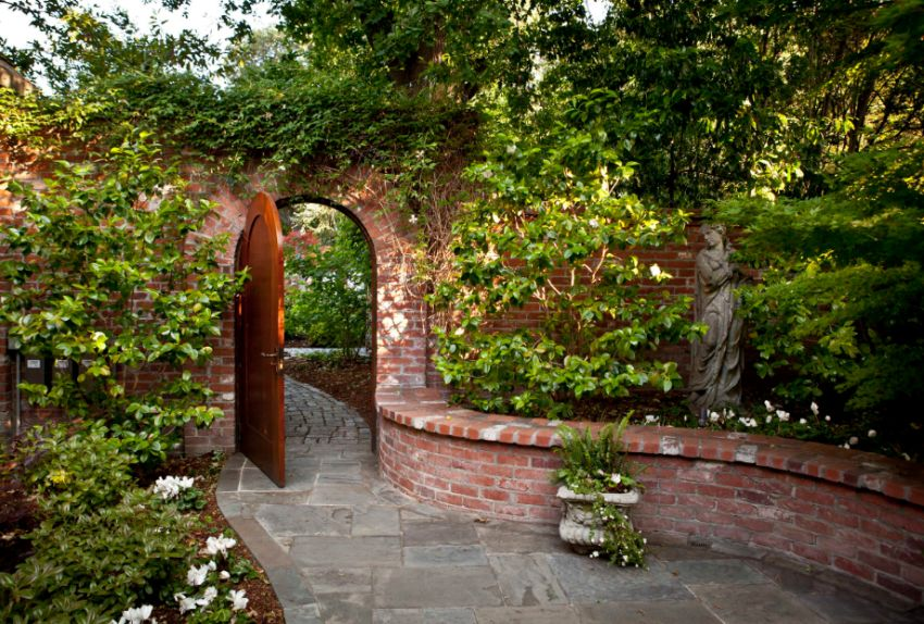 15 splendid garden arches design ideas houz buzz for Garden archway designs