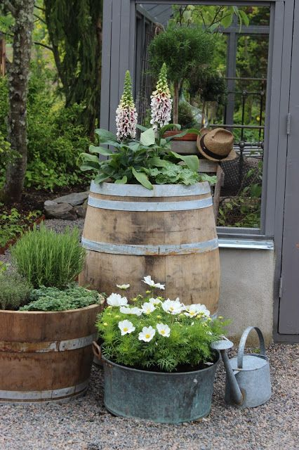 Rustic flower gardens 17 landscaping ideas houz buzz for Decoracion de jardines rusticos fotos