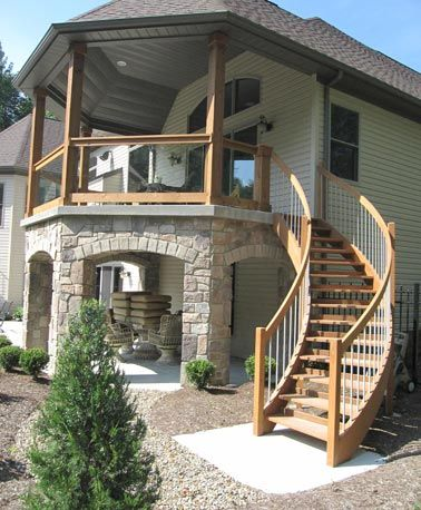 Attic houses with exterior stairs independent spaces for Exterior stairs designs of indian houses