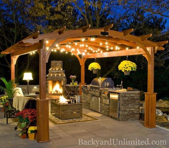 15 Splendid Garden Kitchen Ideas - Houz Buzz