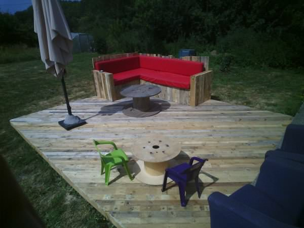 terasa din paleti Wood pallet deck ideas 16