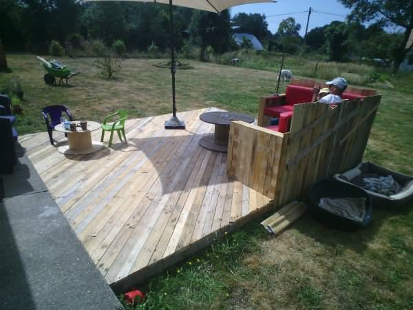 terasa din paleti Wood pallet deck ideas 17