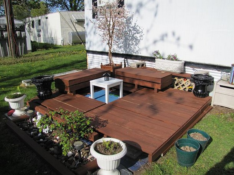 terasa din paleti Wood pallet deck ideas 19