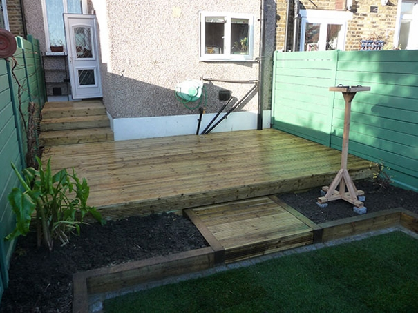 terasa din paleti Wood pallet deck ideas 2