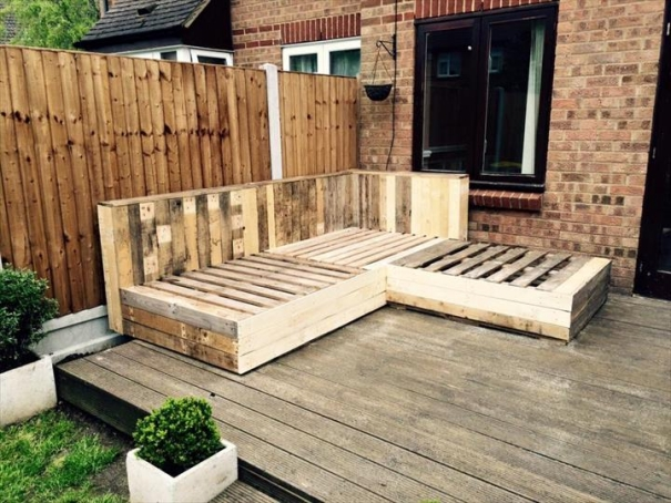 terasa din paleti Wood pallet deck ideas 3